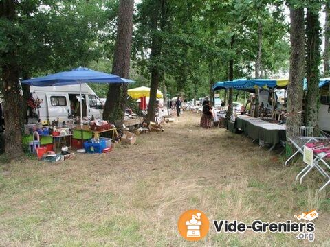 vide grenier brocante des archers 10 eme edition la roche chalais aquitaine dordogne. Black Bedroom Furniture Sets. Home Design Ideas